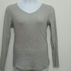 XL No Boundaries  gray long-sleeve t-shirt V